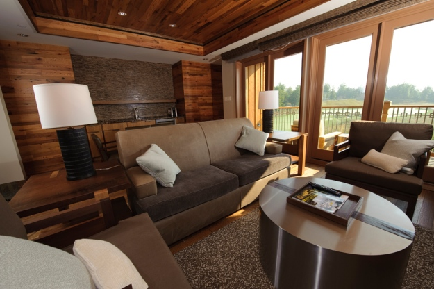 lodge_suite_living_room