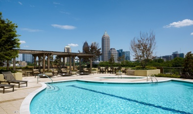 swimming-pool-at-luxury-apartments-in-atlanta-georgia